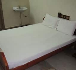 Hotel Thirumal Lodge