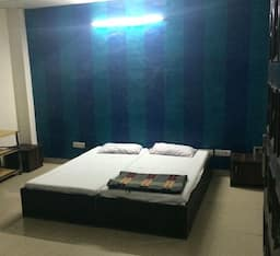 Hotel Gazal Deluxe Guest House