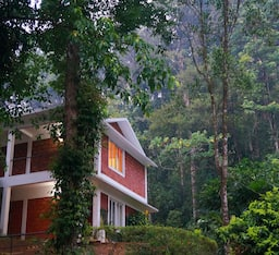 Hotel Falling Waters Resort