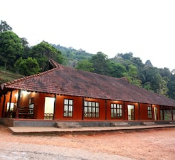 Hotel Rain Country Resorts