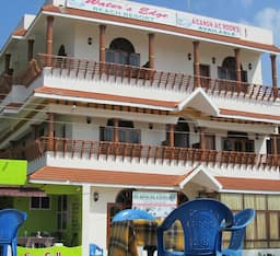 Hotel The Water Edge Beach Resort