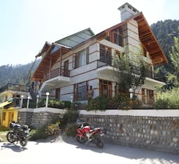 Hotel The Cedar Cottage