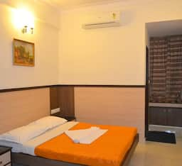 Hotel TG Rooms Corporation Circle