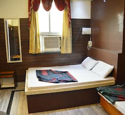 Hotel TG Rooms Station Road