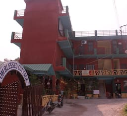 Hotel Blessed Cottages