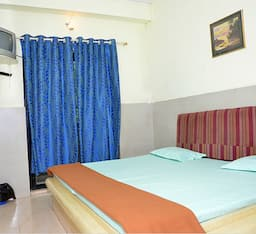 Hotel Raunak Guest House