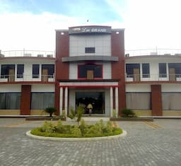Hotel Lee Grand, Garhmukteshwar