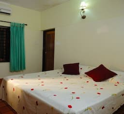 Hotel Abella Lakeview Homestay