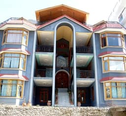 Abrol Hotel & Cottages, Manali