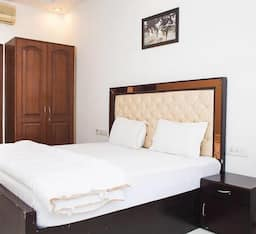 Hotel Defence Colony Service Apartment