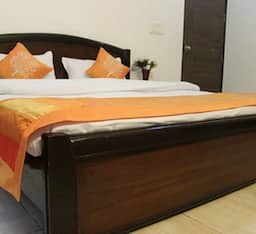 Hotel TG Stays Sector 55