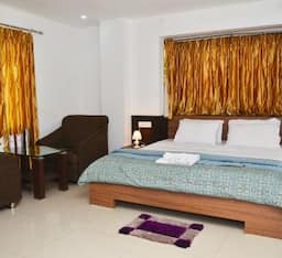 Hotel Food And Banquet Empees, Siliguri