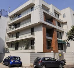 Hotel C 29 Service Apartment