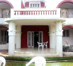 Hotel TG Stays Dukes Resort