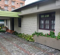 Hotel Johns Cottage Homestay