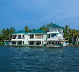 Hotel Kadavil Lakeshore Resort