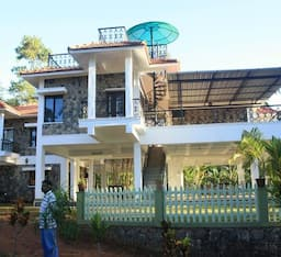 Hotel TG Stays SAAMs Cliff Hanger Rippon