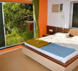 Hotel Captain Bungalow