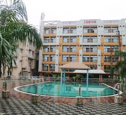 Hotel Larica Holiday Inn