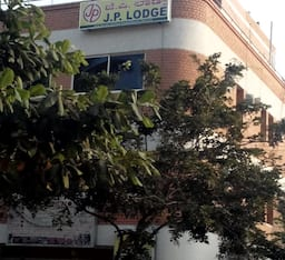 Hotel J P Lodge Inn
