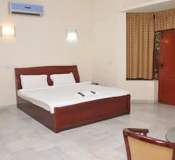 Hotel The Lawn Serviced Apartments