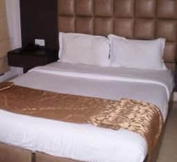 Hotel TG Stays Press Enclave Marg