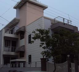 Hotel TG Stays Sector 28