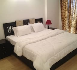 Hotel TG Stays Golf Course Road