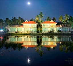 Hotel Palavelli Boutique Resort (Backwater Houseboat)