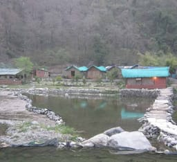 Hotel Camp Ravers Expenditions
