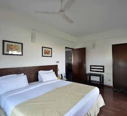 Hotel TG Stays JVLR road