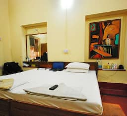Hotel TG Stays Sarat Bose Road