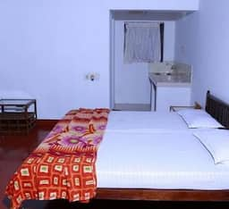 Hotel TG Stays Near Post Office