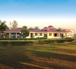 Hotel Greenarth Lake View Resort