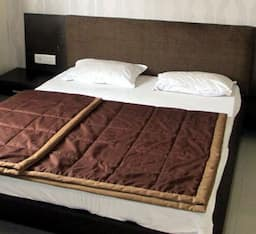 Hotel TG Stays Linking Road