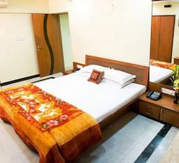 Hotel TG Stays Sir Pochkhanawala Road