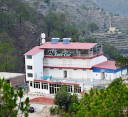 Hotel Snow Cliff, Pauri