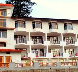 Hotel Nature's Treat Resort