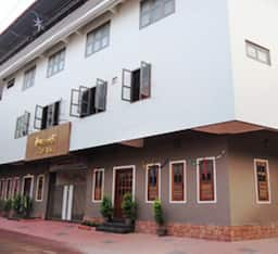 Hotel Queens Tourist Home