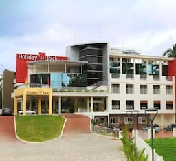 Hotel Holiday Park