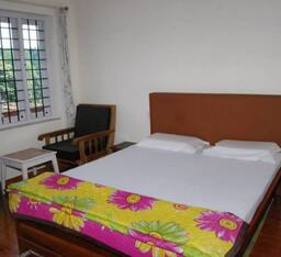 Hotel 4 C's Little Paradise Home Stay