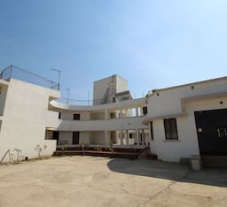 Hotel TG Stays Near Malavali Station