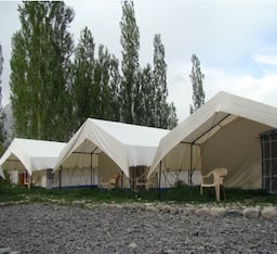 Hotel Double Humped Camp - Hunder