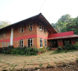 Hotel Chingaara Estate Guest House
