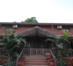 Hotel TG Stays Satara Road