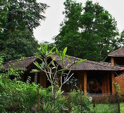 Hotel No Man's Land Homestay