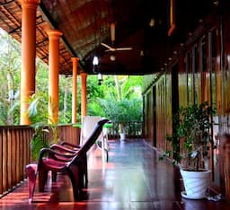 Hotel Backwater Retreat