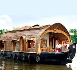 Hotel Adams River Cruise