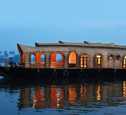 Hotel Southern Back Waters House Boat -1