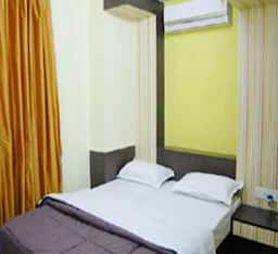 Hotel The Elegance